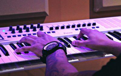 Top 8 Best Midi Controller Keyboards