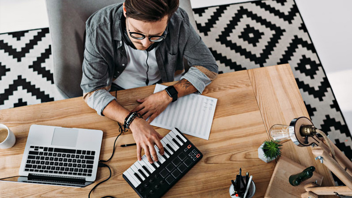 Top 8 Best Weighted Keyboards